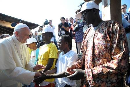 SS. Papa Francesco - Viaggio a Lampedusa 08-07-2013 @Servizio Fotografico - L'Osservatore Romano
