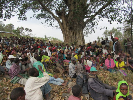 La riunione del villaggio, sulla gestione dell'acqua.